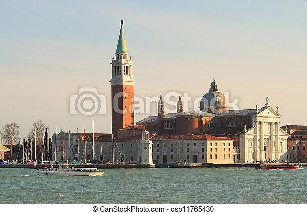 San giorgio maggiore iglesia en Venecia, Italia. - csp11765430