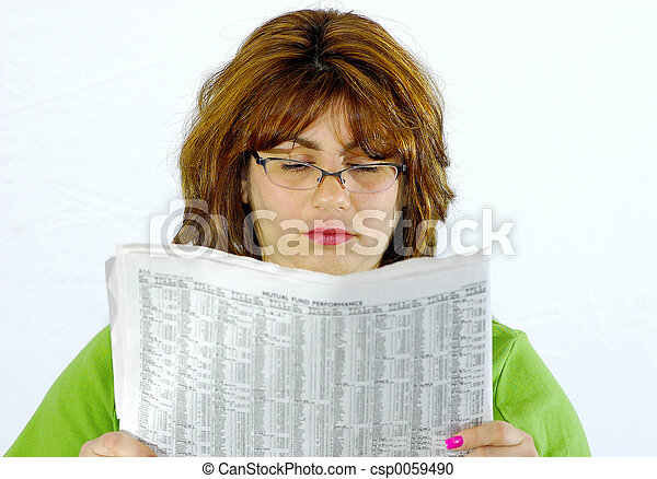 giornale, lettura donna - csp0059490