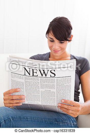 giornale, lettura donna - csp16331839