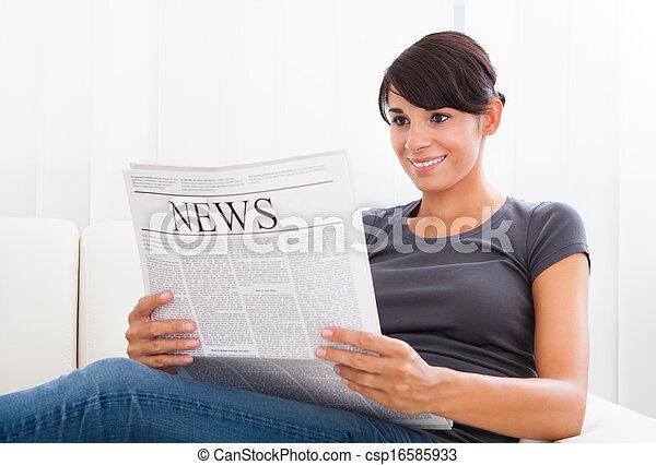 giornale, lettura donna - csp16585933