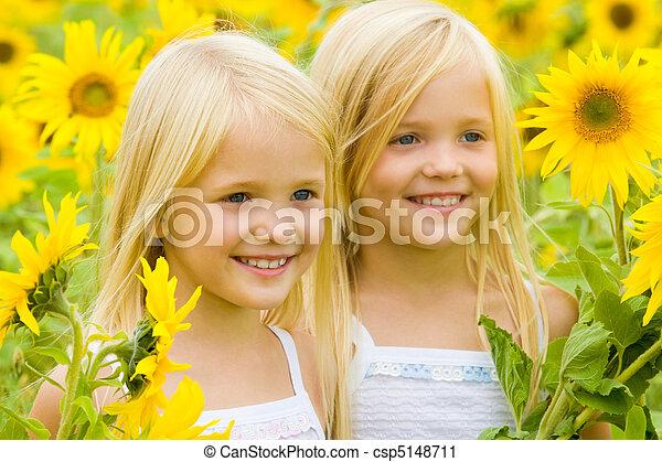 girasol, felicidad - csp5148711