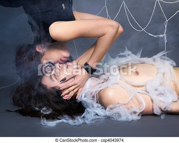 girl, araignés, victime - csp4043974