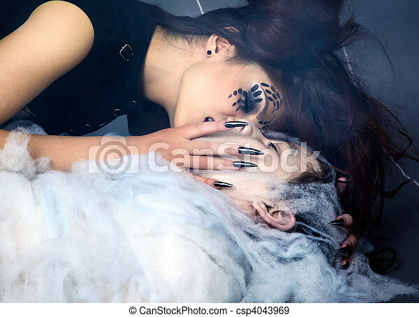 girl, araignés, victime - csp4043969