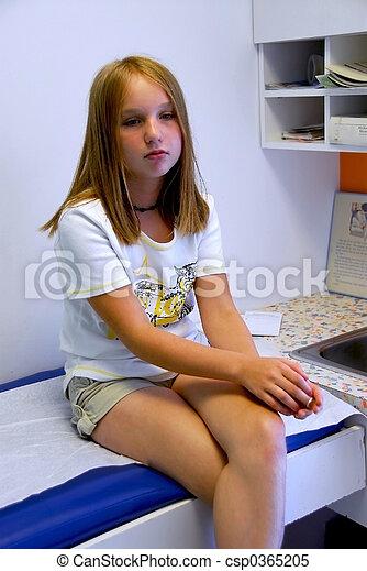 Girl doctor office - csp0365205