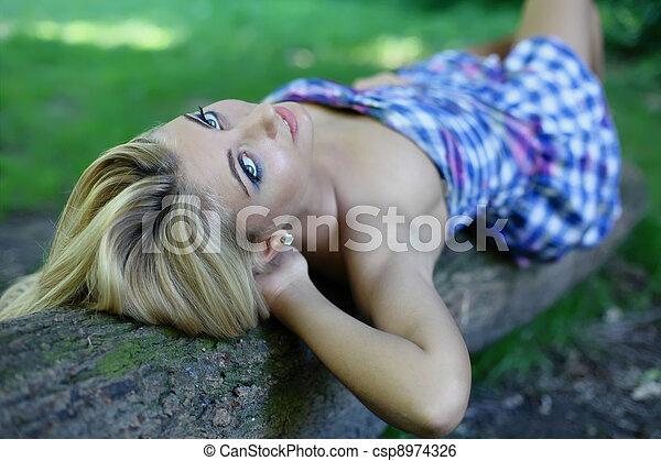 girl, forêt, jeune - csp8974326