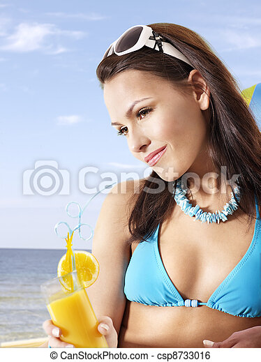 Bikini cocktail girls — pic 13