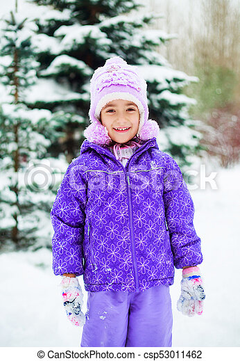 girl in winter park - csp53011462