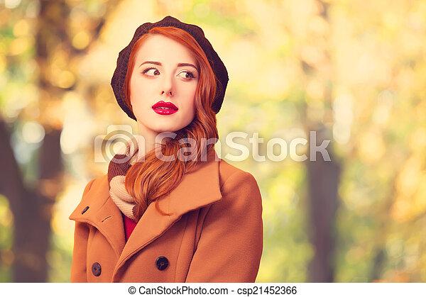 girl, parc, automne, roux - csp21452366