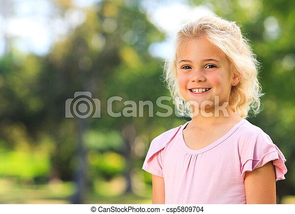 girl, parc, peu - csp5809704