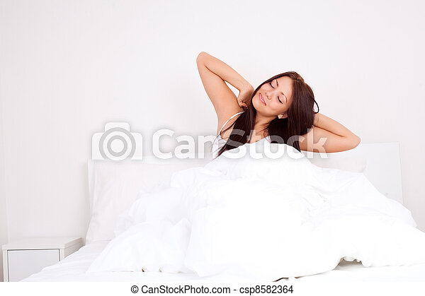 girl wakes up - csp8582364