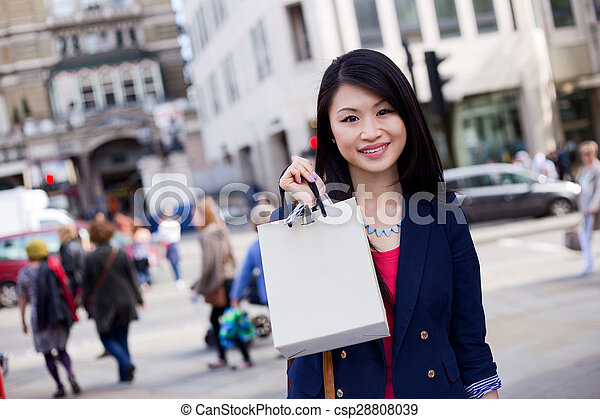 girl with shopping bag - csp28808039
