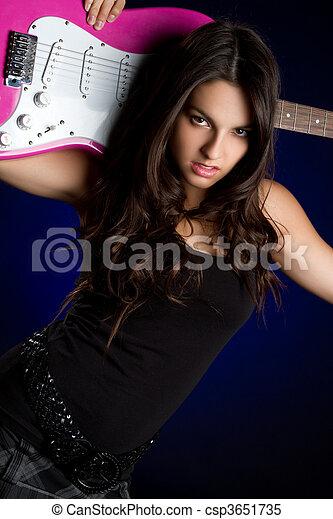 gitara, dziewczyna - csp3651735