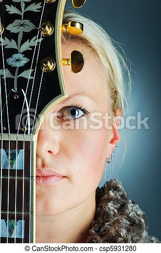 gitara, portret, dziewczyna - csp5931280
