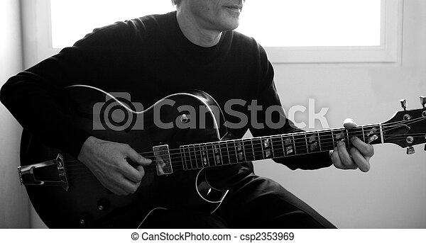 gitarowy gracz, jazz, grający instrument - csp2353969