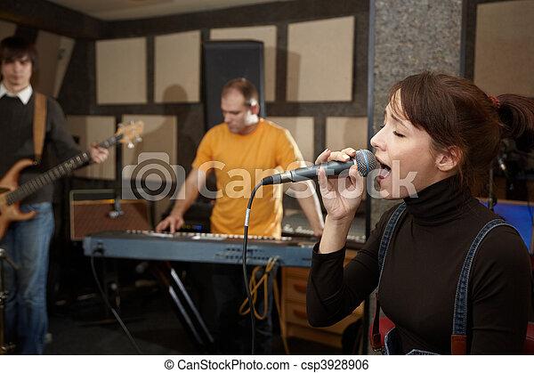 gitarre, fokus, keyboarder, spieler, singing., m�dchen, elektro, sänger, heraus - csp3928906