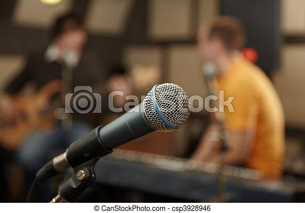 gitarre, fokus, keyboarder, spieler, microphone., heraus - csp3928946