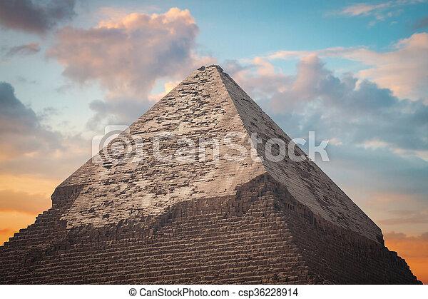 giza, piramides, egypt. - csp36228914