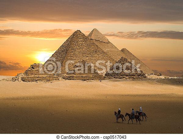 gizeh, ファンタジー, ピラミッド - csp0517043