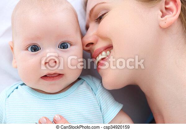 Küsst mit mutter zunge kind Mein Sohn