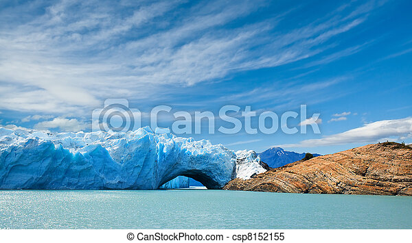 Perito moreno glaciar, patagonia, argentina. - csp8152155