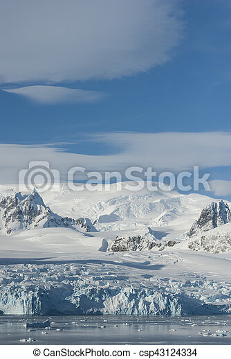 glaciers and mountains on the coast of the Antarctic Peninsula, sunny day - csp43124334