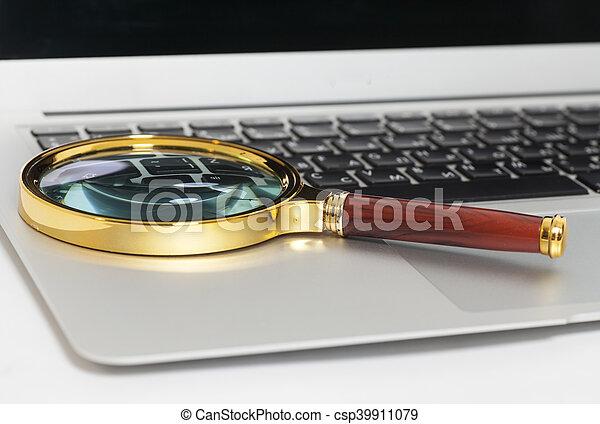 glas, draagbare computer, witte , vergroten - csp39911079