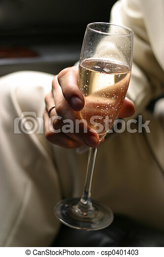 Glass of champagne - 1 - csp0401403