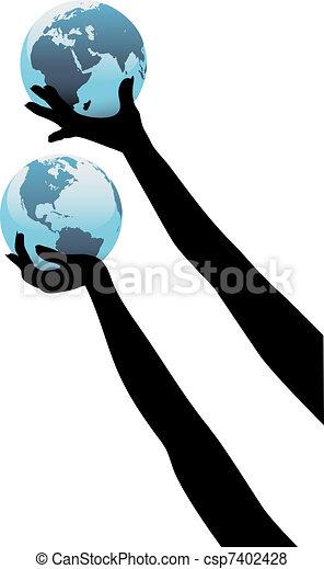 Las manos de una persona terrestre sostienen el mundo global - csp7402428