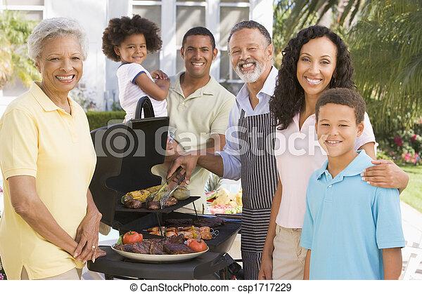 godere, famiglia, barbeque - csp1717229