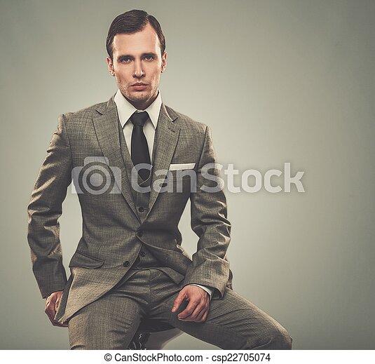 goed-gekleed, man, grijze , kostuum - csp22705074