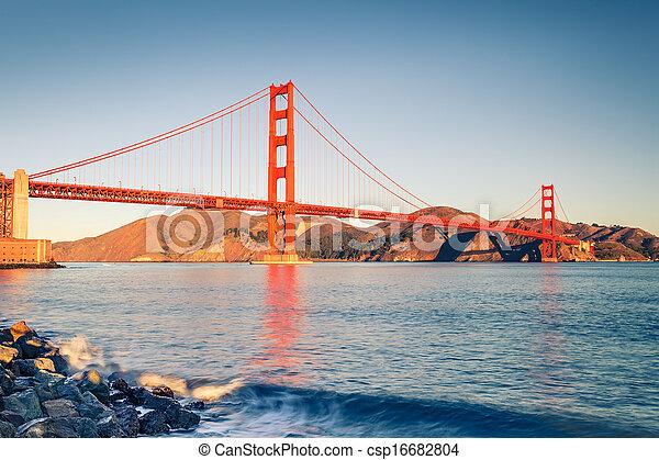 Golden Gate Bridge - csp16682804