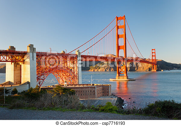 Golden Gate bridge - csp7716193