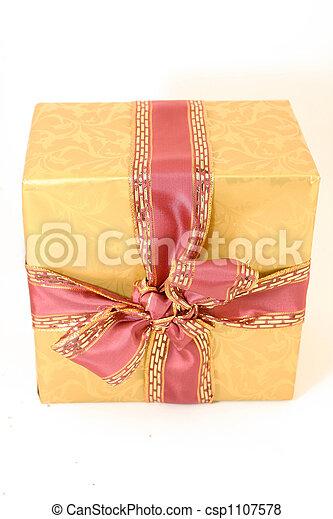 golden present - csp1107578