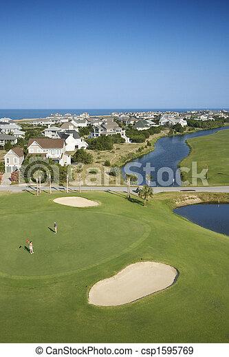 Campo de golf costal. - csp1595769