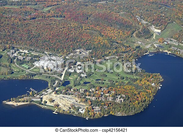 Campo de golf Deerhurst, aérea - csp42156421