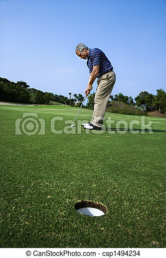 Hombre jugando golf. - csp1494234
