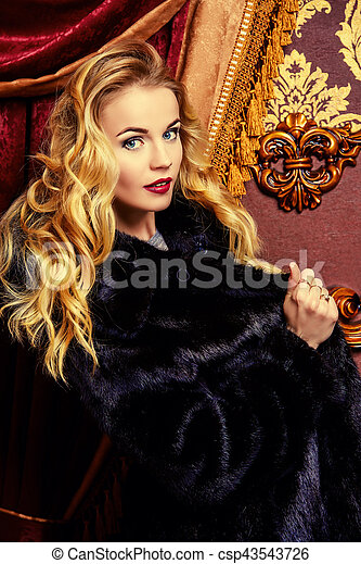 gorgeous blonde lady