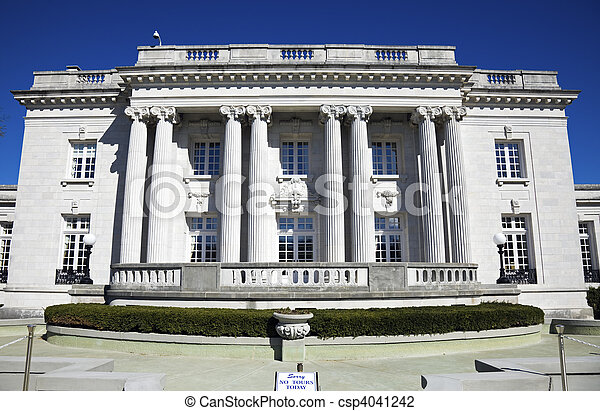 Governor\'s Mansion in Frankfort  - csp4041242
