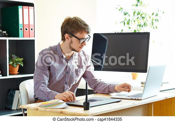 grafisch, kantoor, tablet, kunstenaar, iets, thuis, tekening - csp41844335