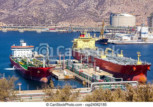grand, pétrole brut, déchargement, pétroliers - csp24062185