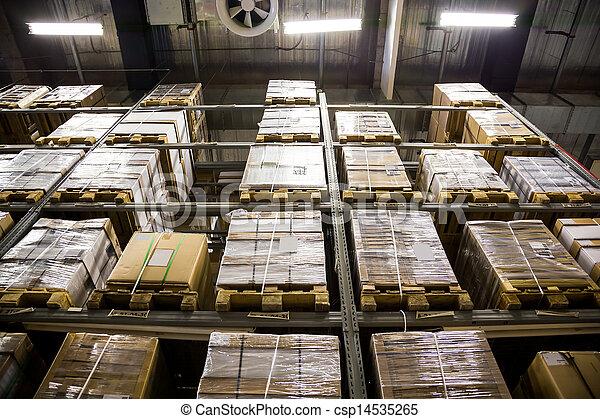 Gran almacén de muebles - csp14535265