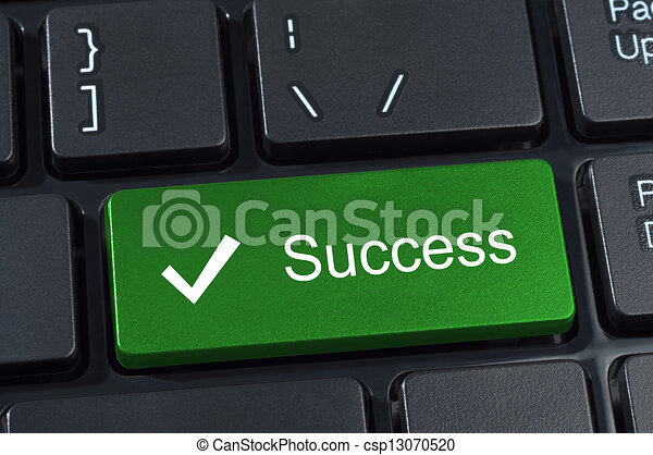 Éxito gran botón verde. - csp13070520