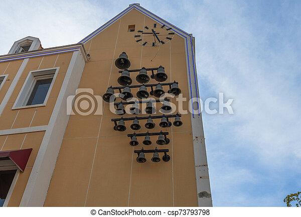 grande, curasao., hermoso, underneath., reloj, edificio, pared, amarillo, willemstad, conjunto, vista, campanas - csp73793798