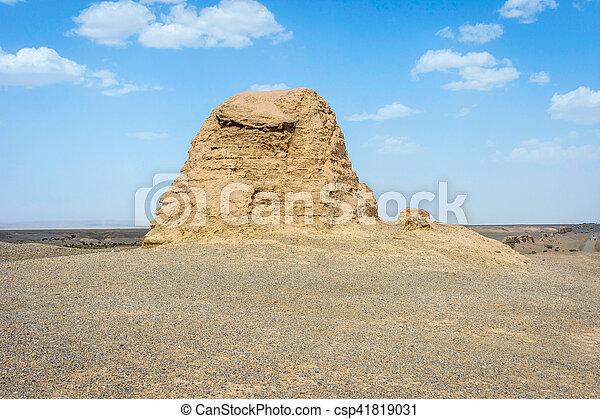 Gran muralla china en Dunhuang, desierto gobi - csp41819031