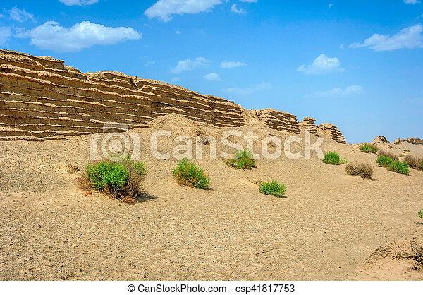 Gran muralla china en Dunhuang, desierto gobi - csp41817753