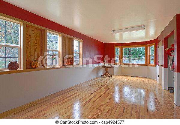Una habitación grande y vacía - csp4924577