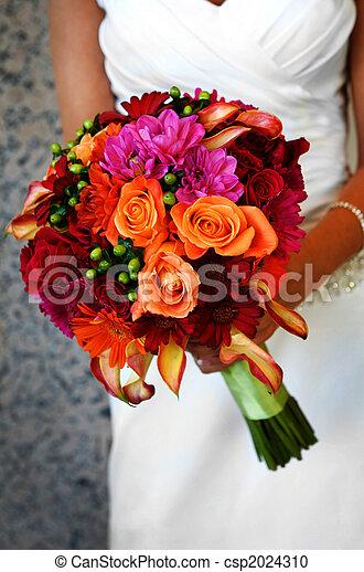 grande, noiva, segurando, coloridos, buquet - csp2024310