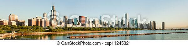 Un gran panorama de la línea aérea de Chicago - csp11245321
