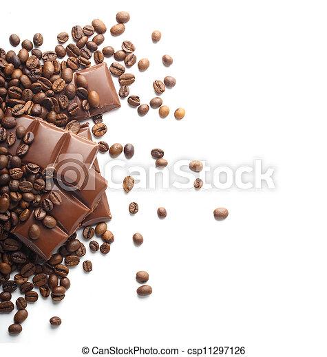 Chocolate y granos de café en blanco - csp11297126