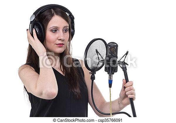 gravando, mulher, fones, vocal - csp35766091